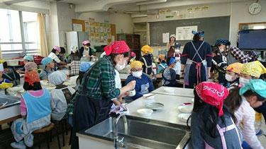 和歌山県小学校での豆腐教室